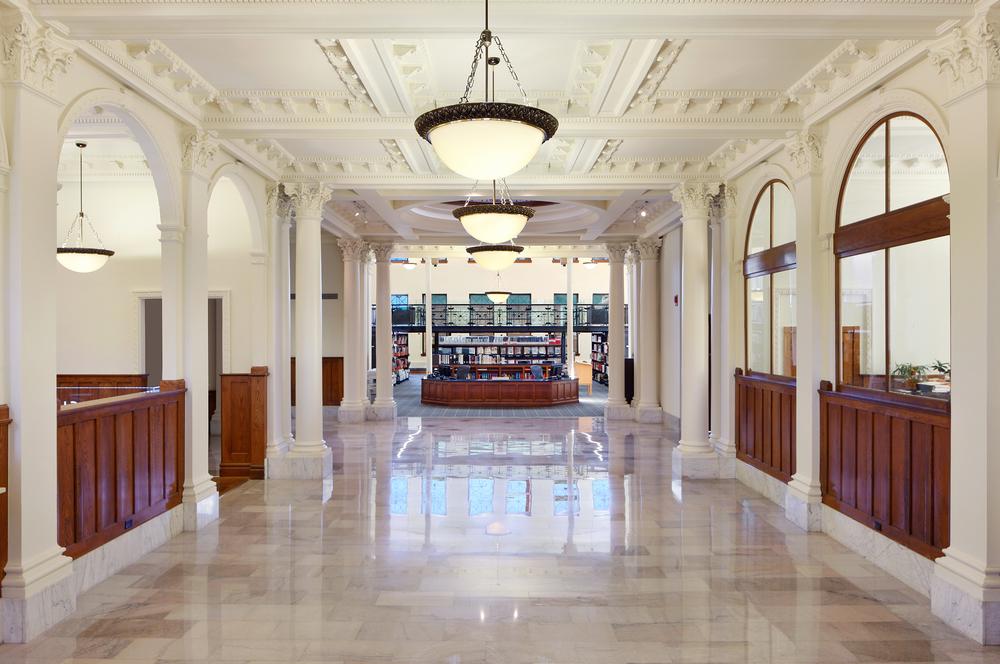 Carnegie-Stout Public Library