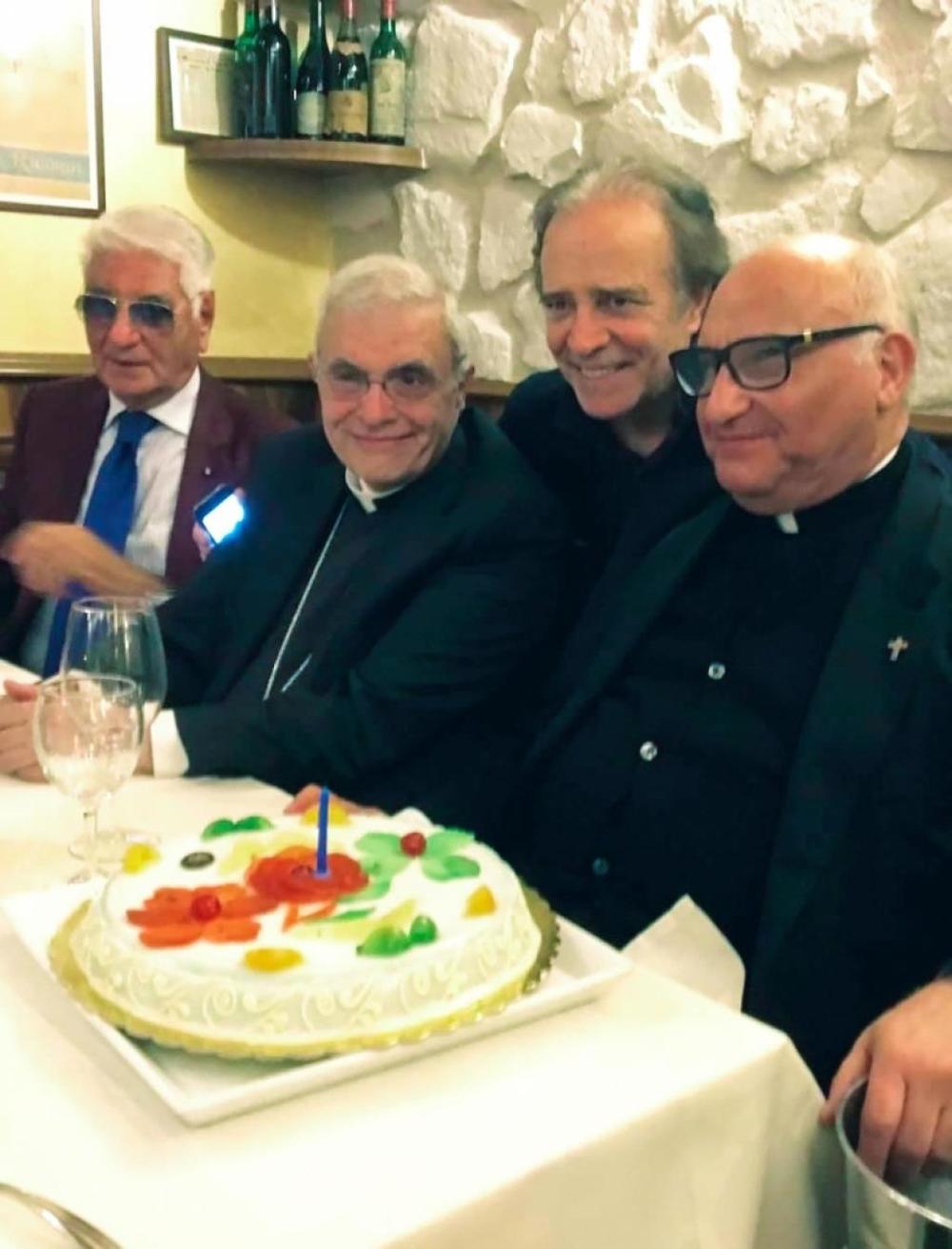 Vescovo Francesco Micciche', Enrico Montesano, e Mons. Salvatore Giuliano.