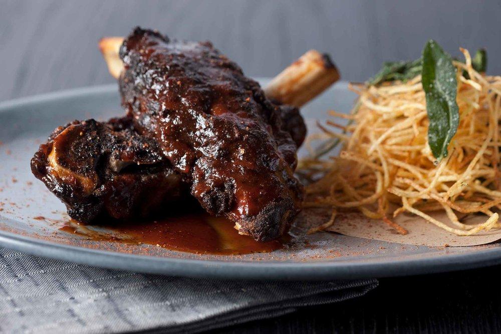 Blackbarn-Restaurant-02.jpg