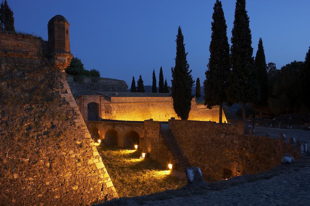 castell d'Hostalric .Foto INDAL.jpg