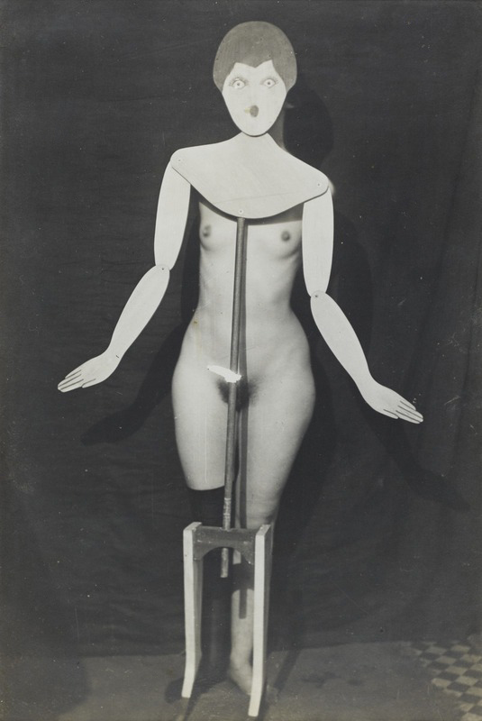 Man_Ray,_1920,_The_coat-stand_(Porte_manteau)-PD-US.jpg