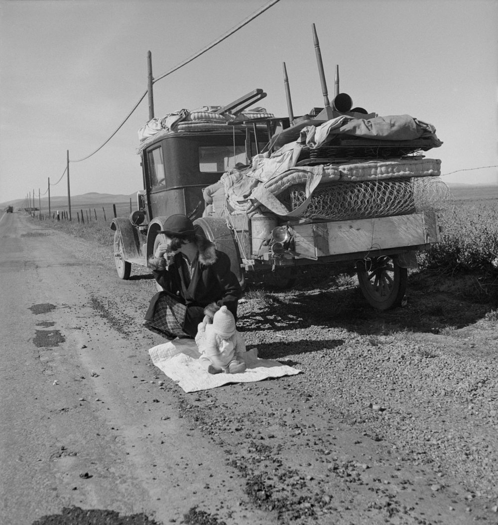 %22Broke,_baby_sick,_and_car_trouble!%22_-_Dorothea_Lange's_photo_of_a_Missouri_family_of_five_in_the_vicinity_of_Tracy,_California-POVERTY-THE ROAD.jpg