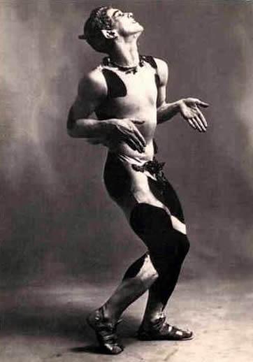 Vaslav_Nijinsky,_1912-dance.jpg