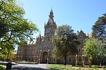 Ormond_College,_College_Crescent,_University_of_Melbourne.jpg