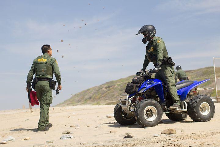 190107 border-patrol-2747625__480.jpg