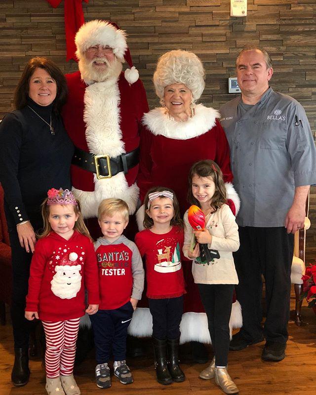 Love when Santa & Mrs Claus come to Bella's!