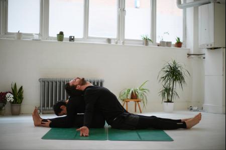 hmfyoga_relax_partner_yoga