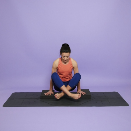yoga-for-core-strength-hmfyoga