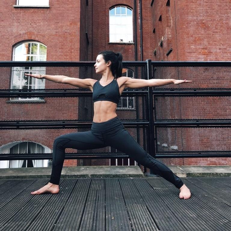 hmfyoga_yoga_east_london_warrior_pose