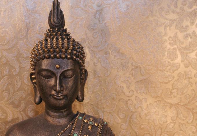 Boeddha Met Led Verlichting.Boeddha Is Overal Kt