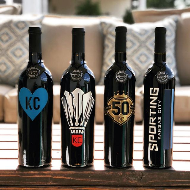🍷GIVEAWAY🍷 Would ya check out this rockstar lineup?! I have patterned with @manoswine to host a giveaway! Want to win ☝🏽 of these #lokcal bottles of wine?! It's easy! • 1. Follow me @lo.kc.al and like this photo 2. Follow @manoswine  3. Comment below with what bottle you would choose and tag a friend! (Unlimited entries!!)