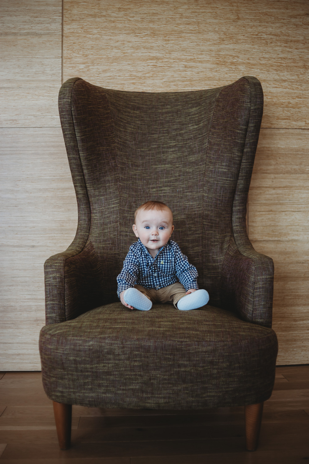 6-month-old-sitting-in-a-chair-photography -1.jpg