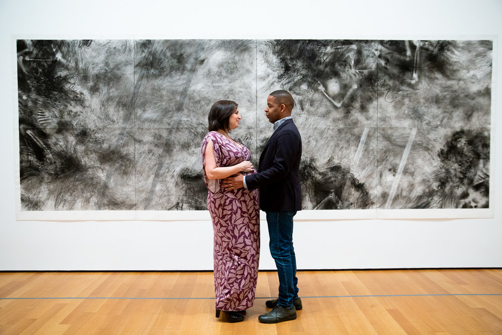 maternity-photo-session-at-nyc-moma-museum -1.jpg