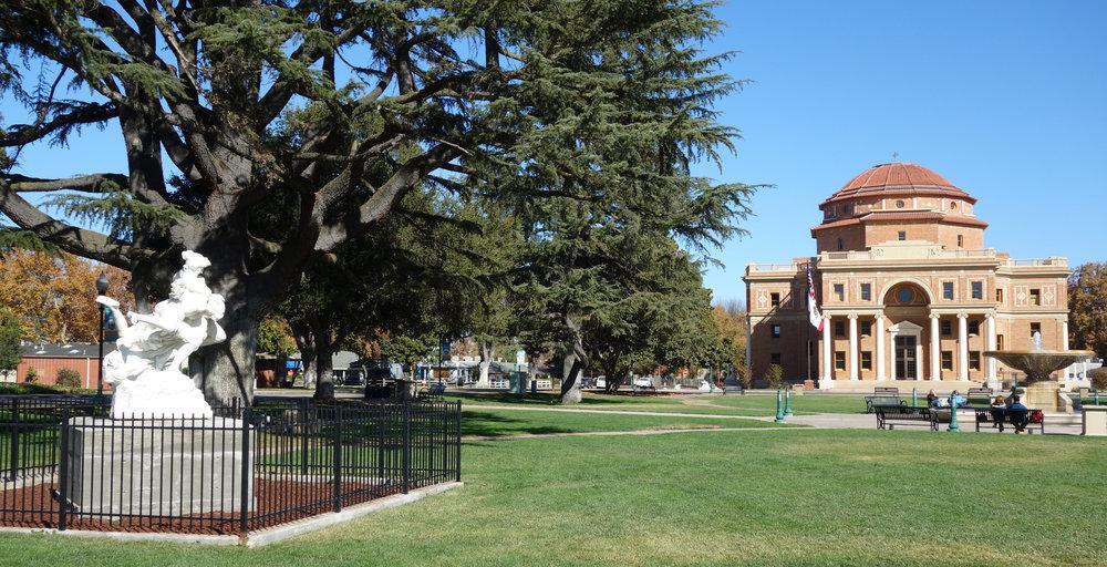Sunken_Gardens_-_Atascadero_CA.jpg