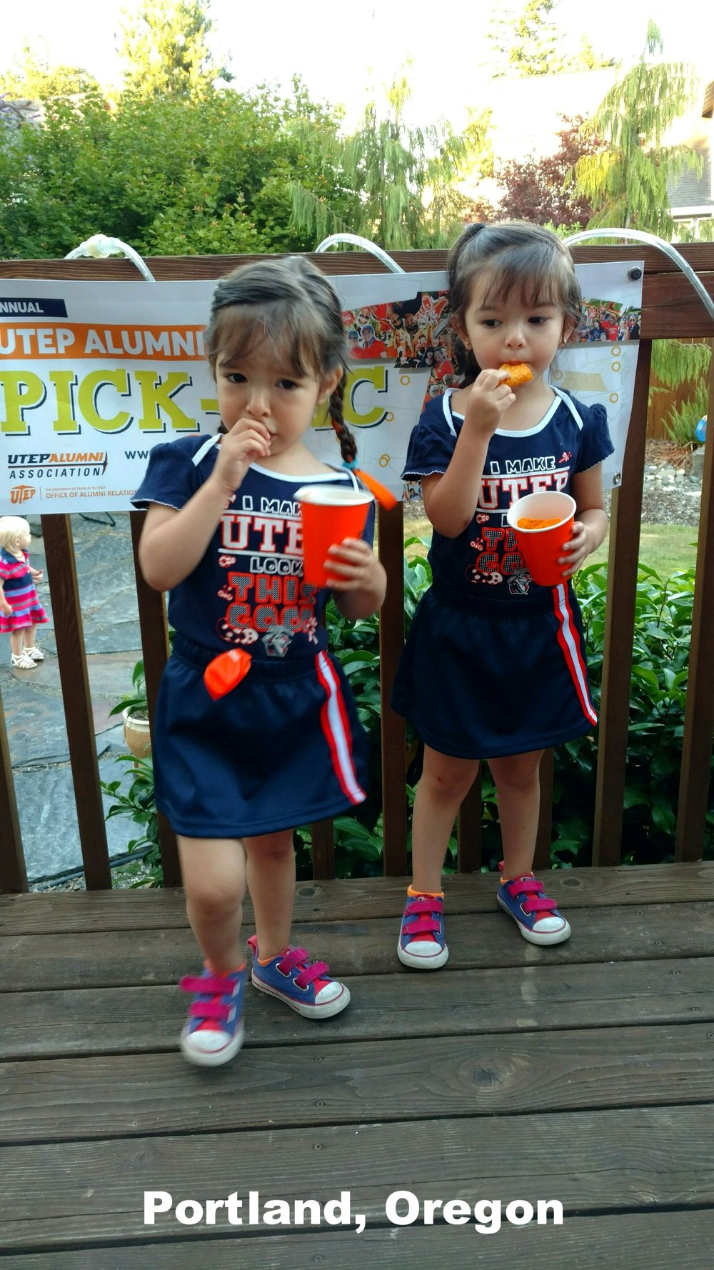 UTEP PICNIC 2017-TWIN GIRLS.jpg