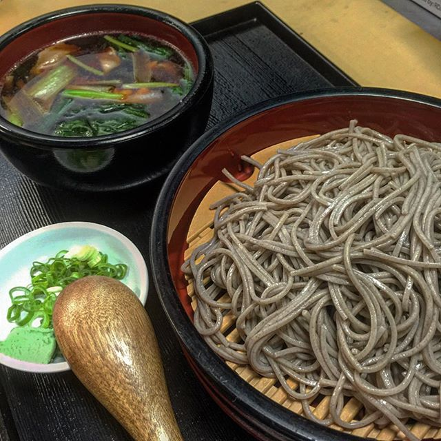 Nikujiro-Serio Soba : Try our cold #organic #soba with hot dipping soup! Your choice of premium #MugiFuji pork or local free-range chicken @yamiichi.nyc #ParkSlope #Brooklyn #Izakaya 🍻 #Noodles 🍜 #YamiIchi #YamiIchiNYC #AuthenticJapanese #FamilyOwned #Foodie #OrganicSoba #HealthyEating