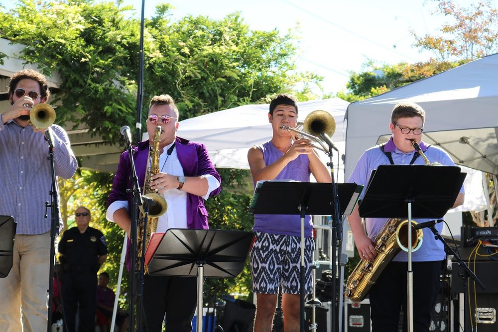tulsajazz.com: Smooth Groove Sunday on Guthrie Green