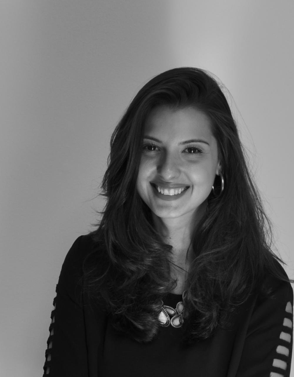 Carolina Escobar  Psicanalista e colunista do site  (clique na foto para acessar os textos)