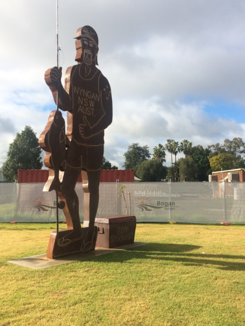 The Big Bogam statue at Nyngan. The RSL club there was quite a cultural education for our American member.