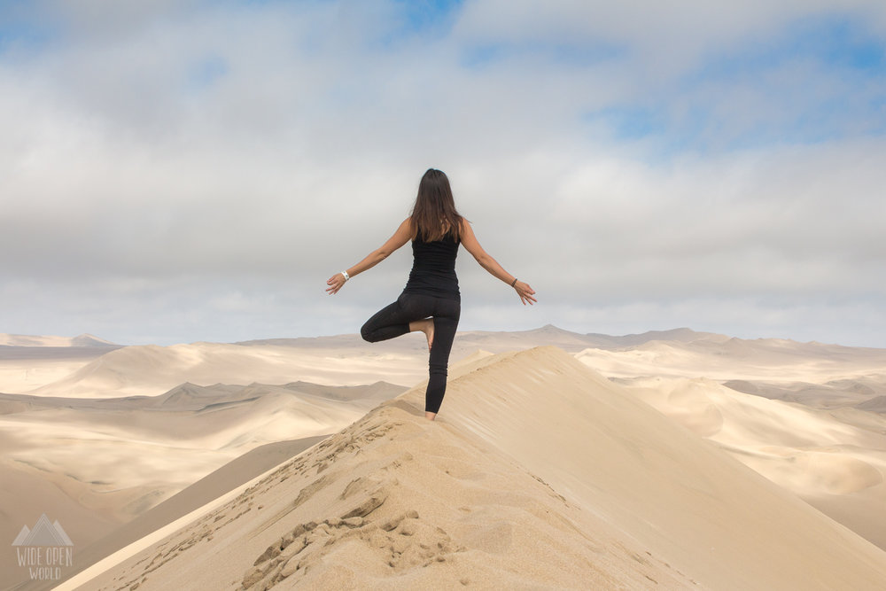 Yoga in Huacachina