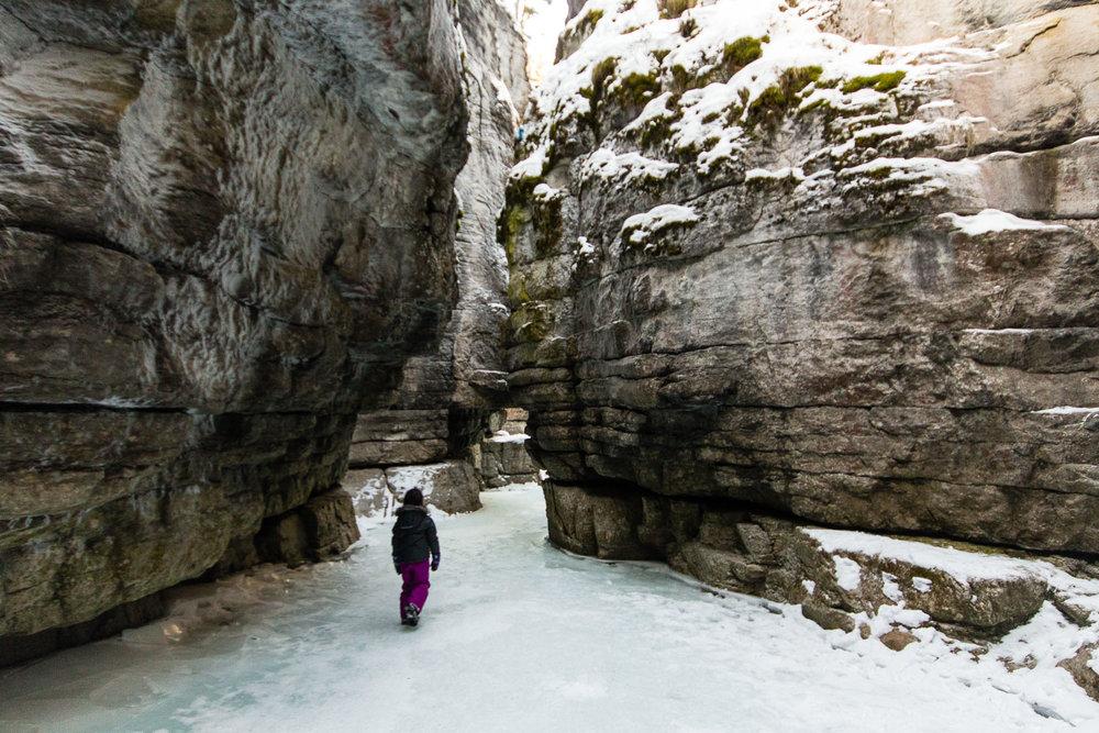 maligne_canyon_Jasper_winter.jpg