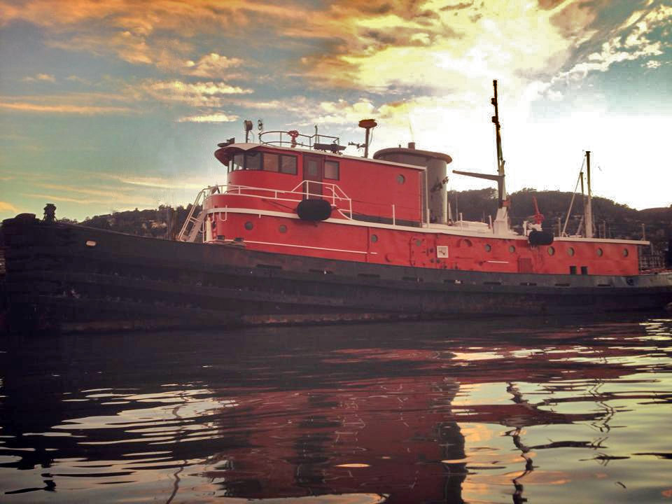 Kats-freshly-painted tug-broadside-from-water.jpg
