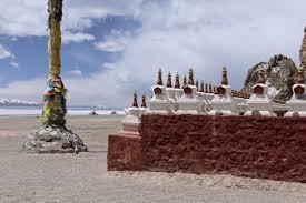Namtso stupas.jpg