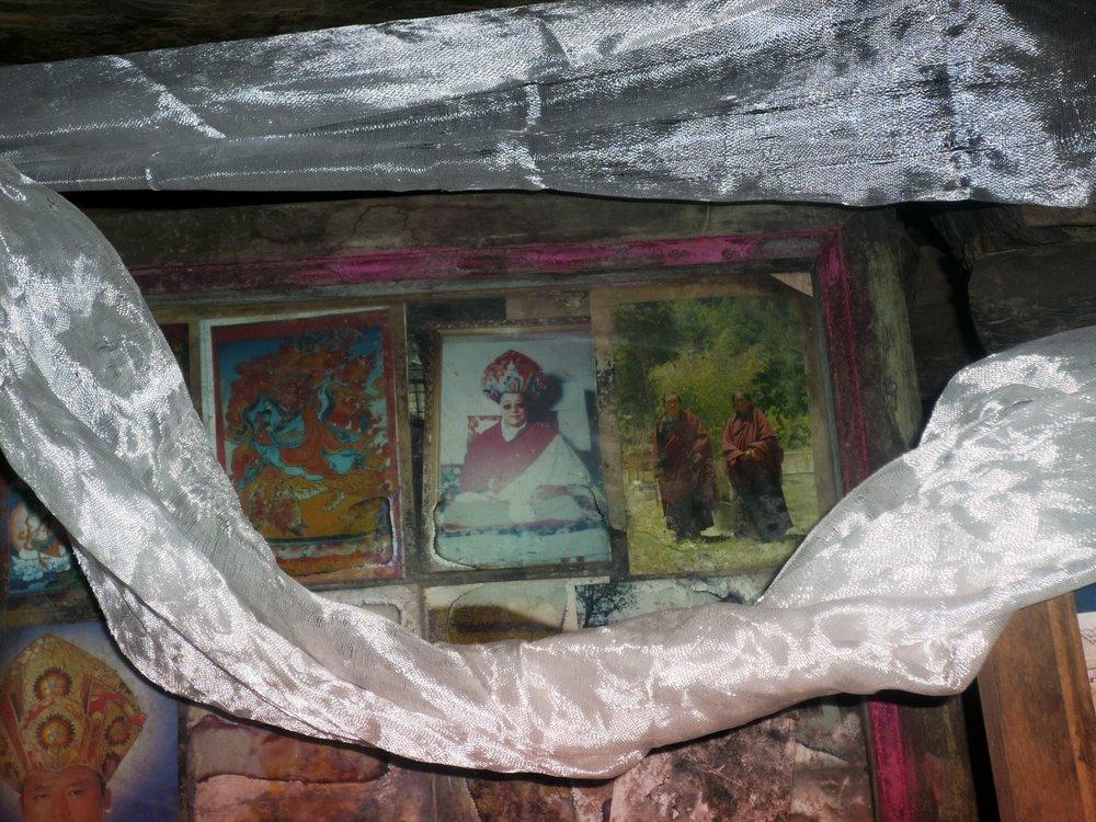 Onphu Guru Cave close up.jpg