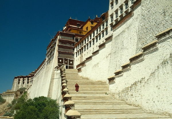 2320391-Potala-Palace-Stairs-0.jpg