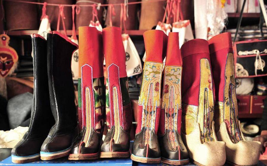 tibetan shoes.jpg