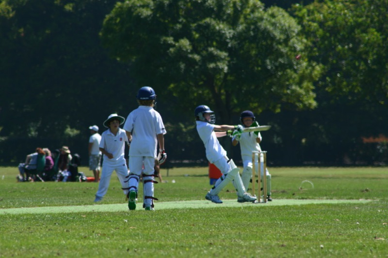 parkview School children playing cricket