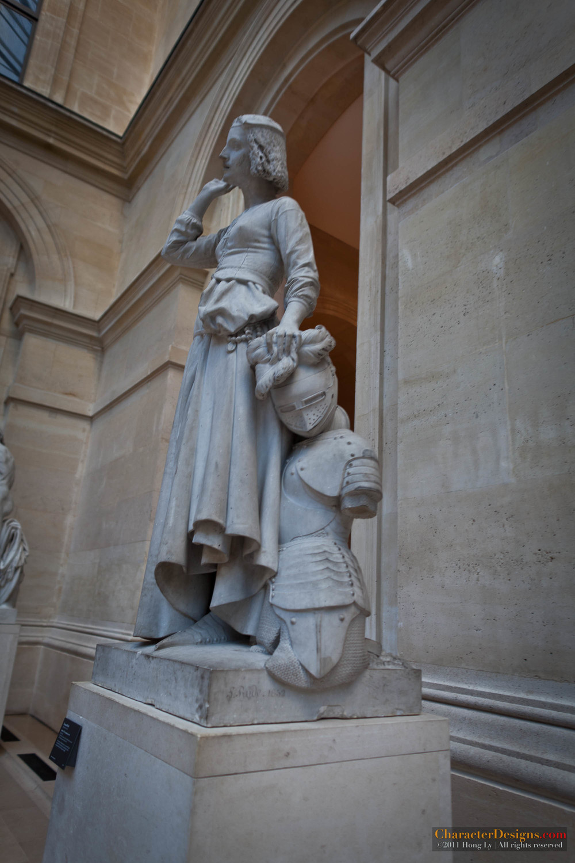 louvre sculptures 400.jpg