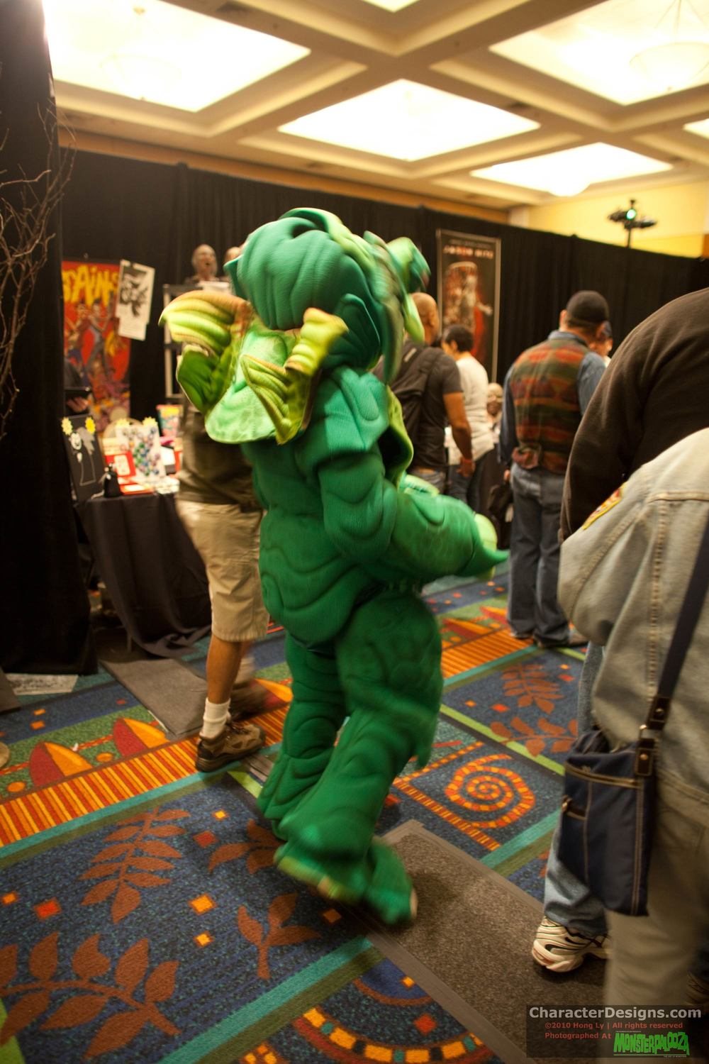 2010_Monsterpalooza_154.jpg