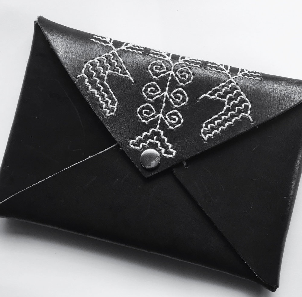 北欧 伝統手芸 カレリア刺繍