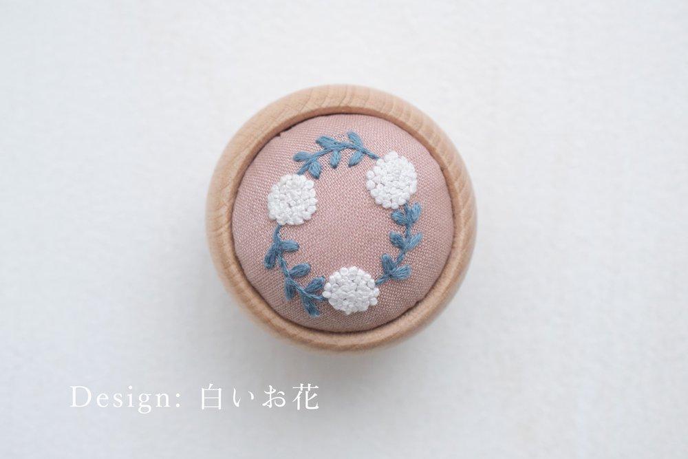 白いお花_キャプション付き.jpg