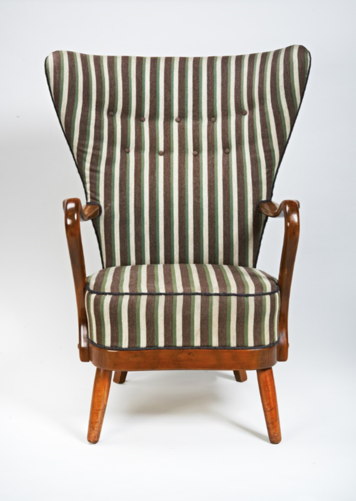 Chair 216 front view.PNG