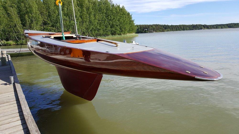 Trial lasketaan vesille kymmenien vuosien tauon jälkeen (kuva Ville Harkke)