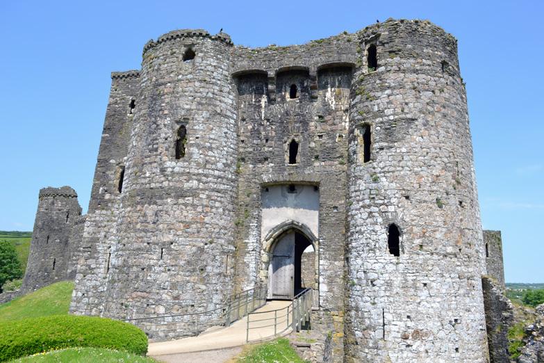 Kidwelyi Castle.jpg