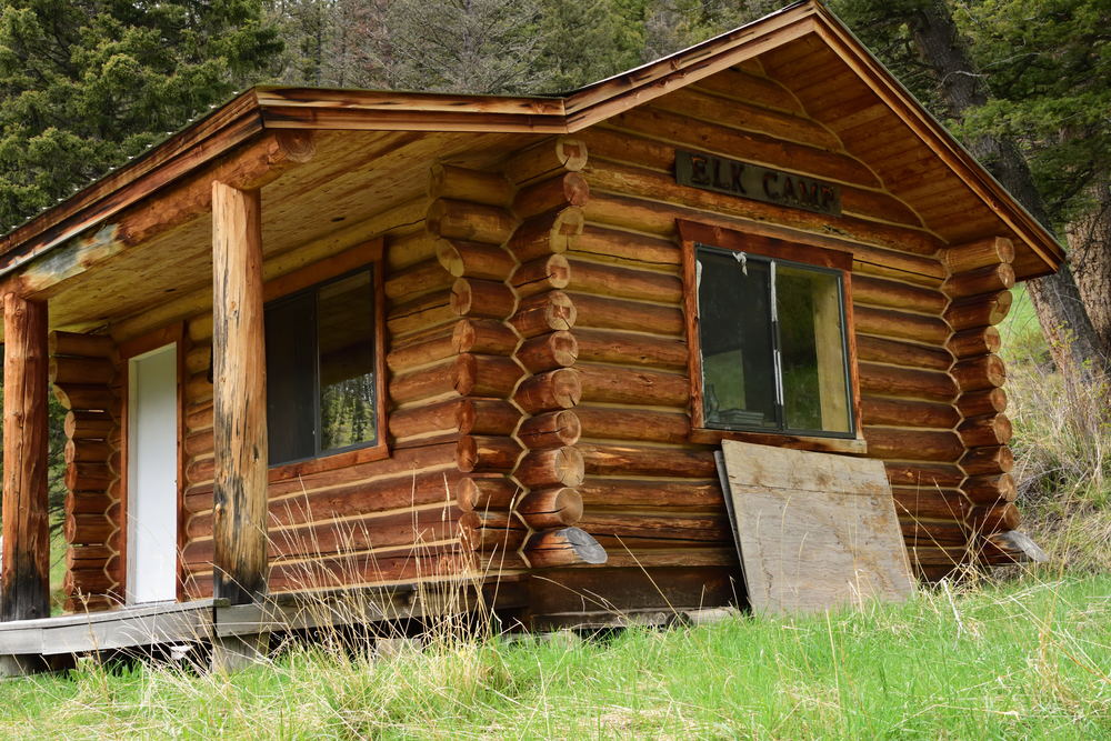 elk cabin.jpg