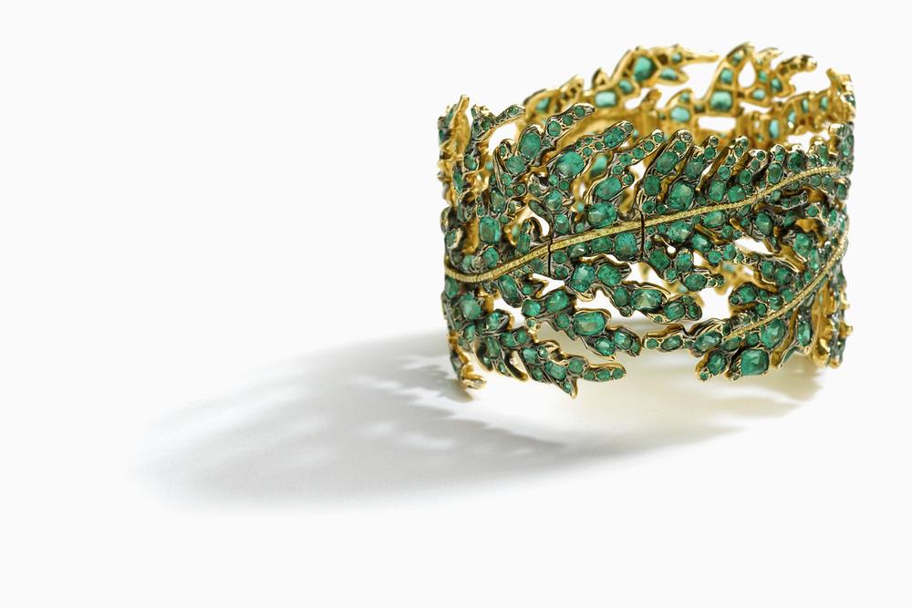 emeraldgoldbracelet.jpg