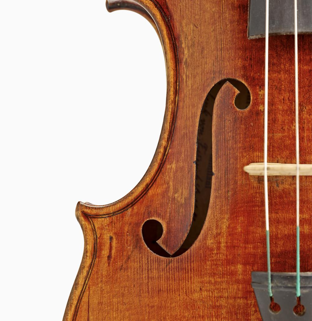 violinfhole01.jpg