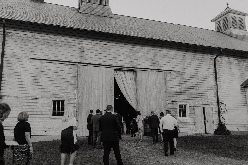 shaker_heritage_barn_wedding_037.jpg