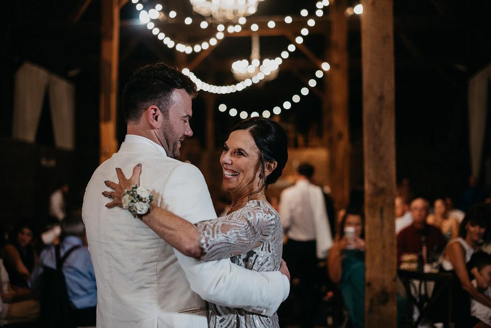 shaker_heritage_barn_wedding_060.jpg