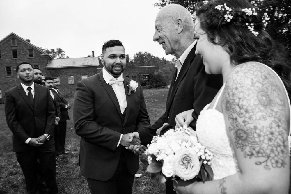 shaker_heritage_barn_wedding_002.jpg