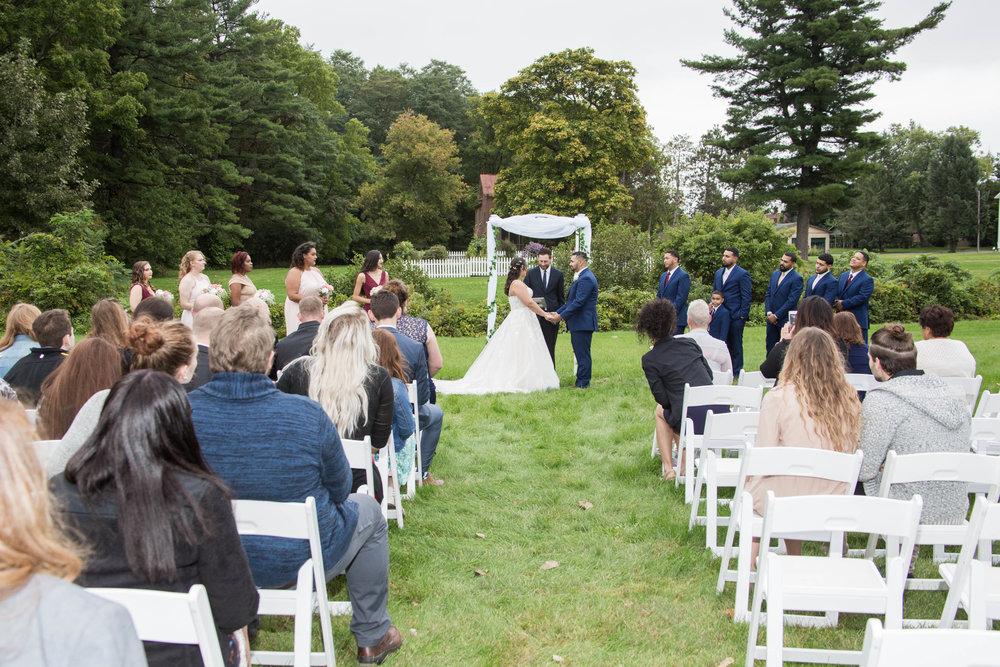 shaker_heritage_barn_wedding_003.jpg