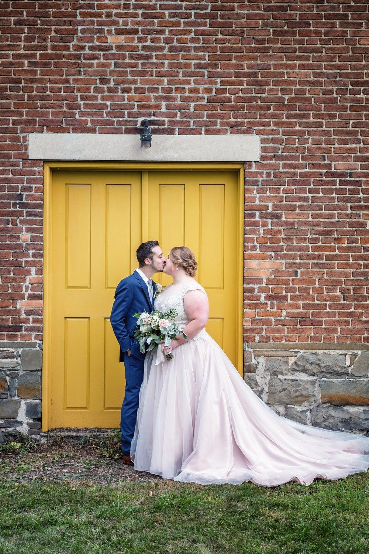shaker-heritage-barn-wedding-photos-014.jpg