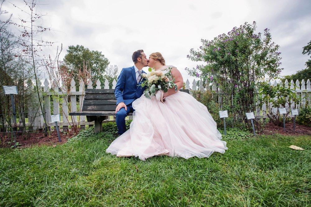 shaker-heritage-barn-wedding-photos-016.jpg