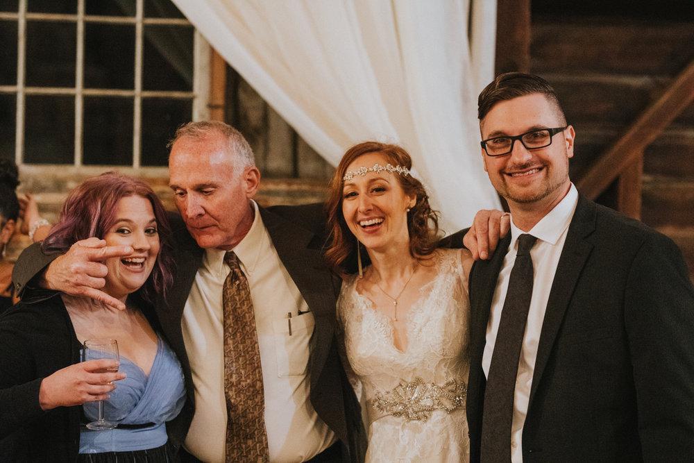 shaker_heritage_barn_wedding_039.jpg