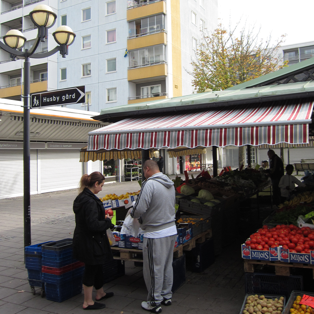 Tower communities can have fresh fruit and vegetables available within walking distance of peoples' homes.   Stockholm, Sweeden