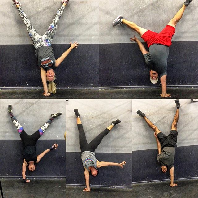 Some one arm handstands looking great from tonight! #partytricks #thegymnastmethod #almostasstrongasan8yrold #weretight #adultgymnastics #crossfit